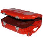 roter Vintage Koffer aus Retro Benzinkanister